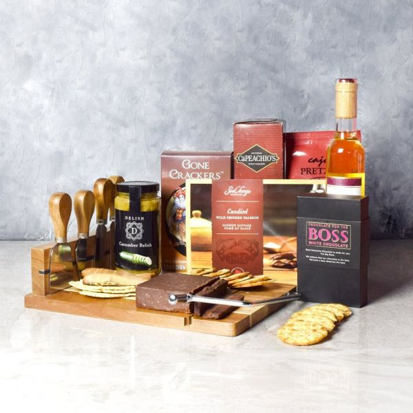 O Canada Wine & Cheese Basket