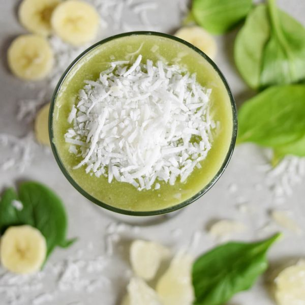 Cleansing Coconut Spinach & Banana Smoothie