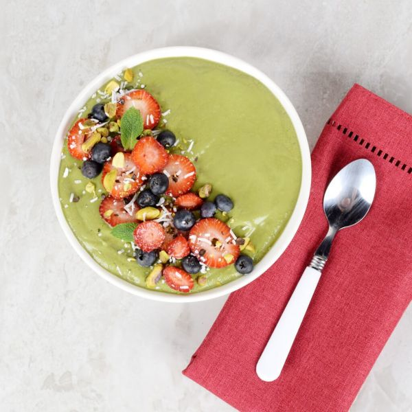 Spinach & Berries Smoothie Bowl