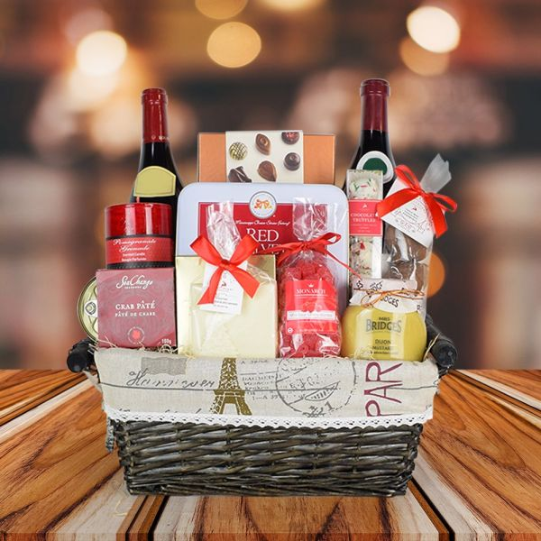 A Christmas in France Gift Basket