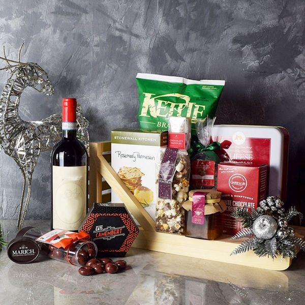 Holiday Wine & Treats Gift Basket